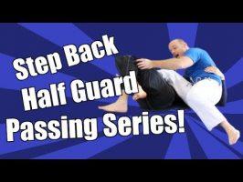 Passer la demi-garde en faisant un «step back»