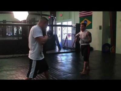Exercices contre coup de pieds médians – middle kicks (Partie 2)