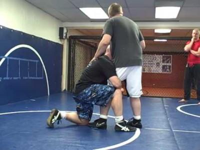Comment faire un single leg takedown