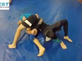 Contrer le single leg takedown avec une kimura