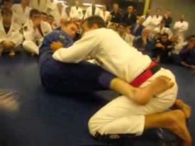 Défense contre le renversement en ciseau par Pedro Sauer (8ème dan de jiu-jitsu brésilien)